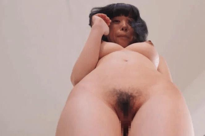 セックスが気持ちがいいチビ巨乳のエロ画像