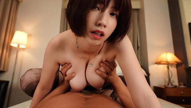 巨乳の乳揉みセックス画像104